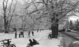 Winters tafereel op de Berkel bij de stuwe 1985