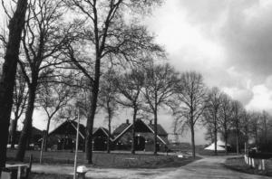Vanaf Rotmansdiekske zicht op boerderij Hoefman 1990