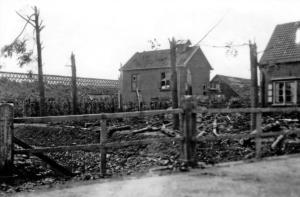 Stormschade aan waterleidingsgebouw en loodsen van Elzas 1925