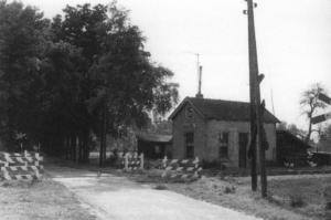 Bewoond oud trein station 1950